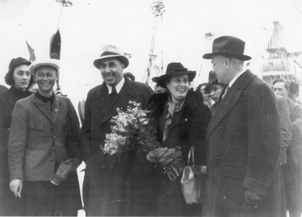 Hannes Schneider and his wife Ludwina are welcomed by Harvey Gibson in North Conway's Schouler Park on February 11, 1939.  Courtesy of Warren Tolvanen