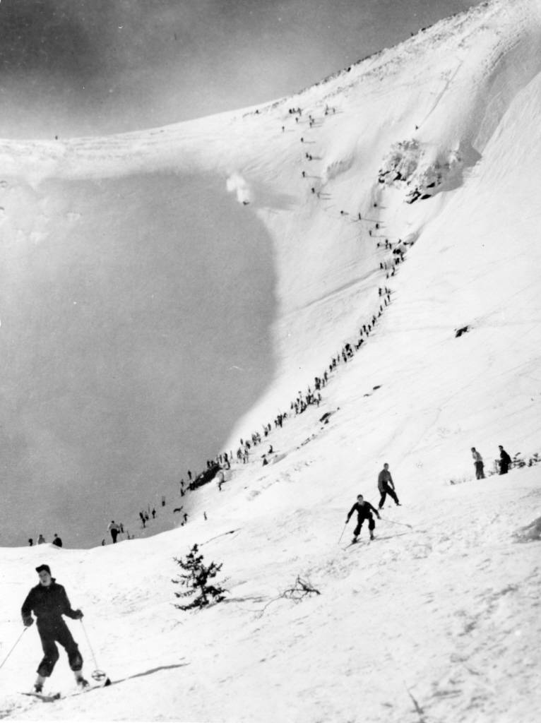 A racer in the 1939 Inferno starts down the Headwall. Winston Pote photo.
